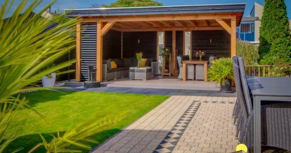 De sfeervolle veranda van Eno en Regina uit Hoorn